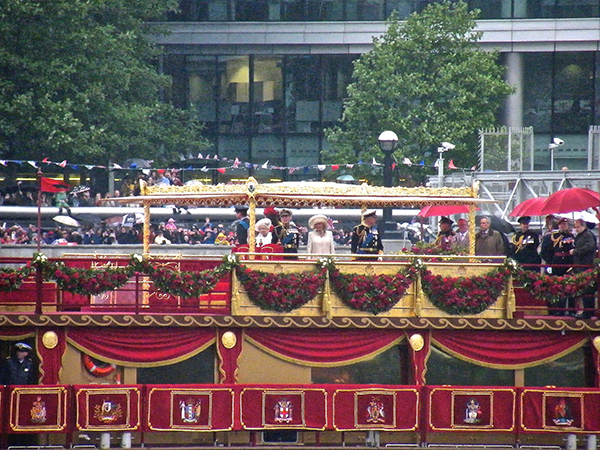 The Queen's Diamond Jubilee Royal Barge, Canopy