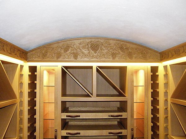 3_St. James's Sq UK – Grapevine carved panel for fine Joinery company