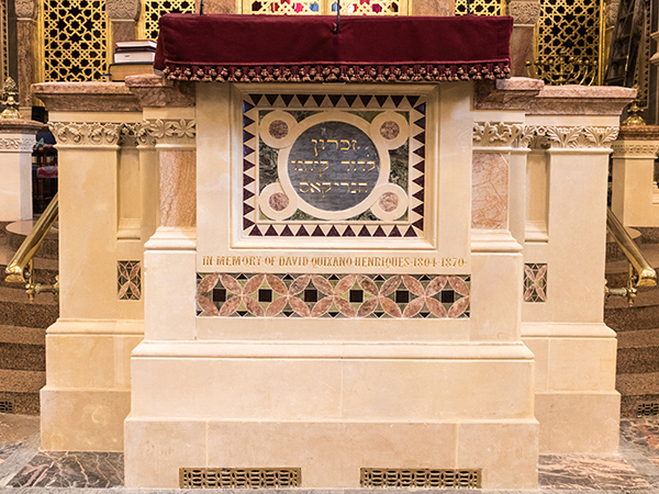 West London Synagogue - Professional gilding service for places of worship